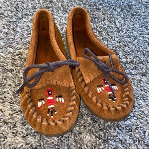Minnetonka  Moccasin Slippers